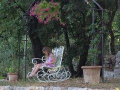 2-lecture-sous-la-gloriette.jpg