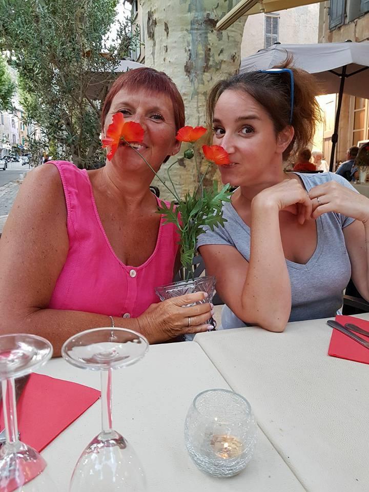 2-la-table-des-coquelicots-cotignac.jpg